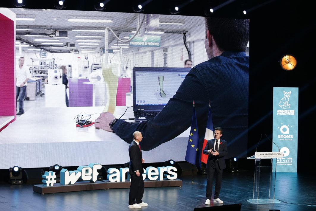 Reportage sur le WEF World Eletronics Forum à Angers le 27 octobre 2017.  Christophe Bechu Maire d'Angers sur scène avec Gary Shapiro.  ©Jean-Sébastien EVRARD  0681653729