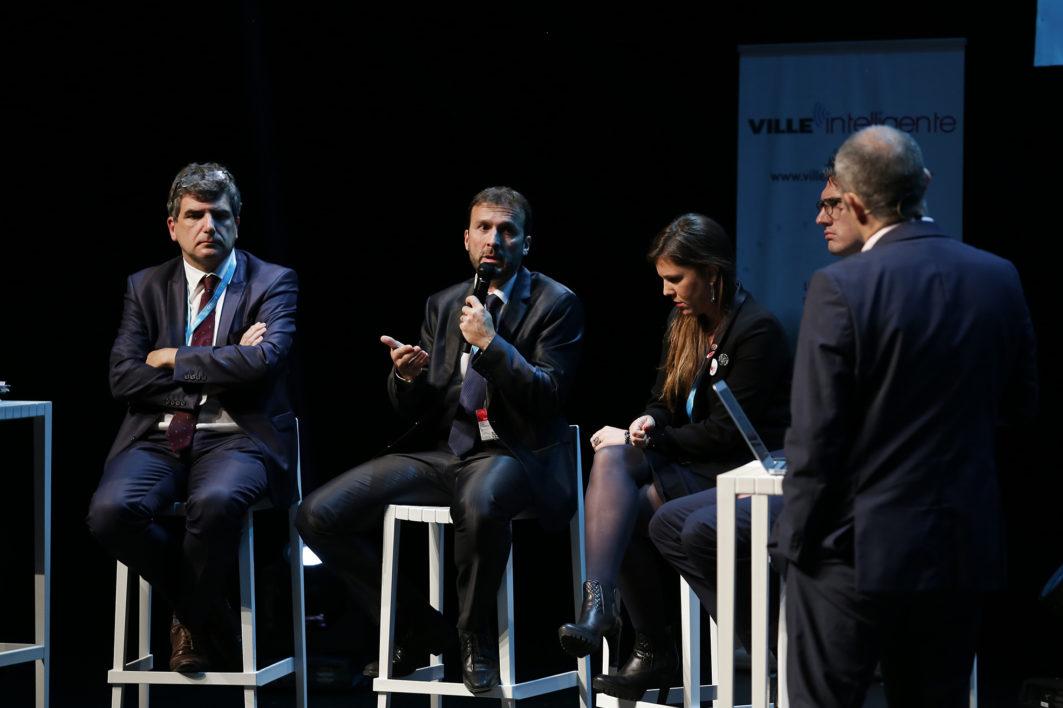 Reportage sur le WEF World Eletronics Forum à Angers le 27 octobre 2017.  Table ronde Forum Smart City (G à D) Laurent Gerault (Région Pays de la Loire) Gilles Rollet (Enedis) Claire Greco (Veolia) et Charles-Edouard Delpierre (ENGIE)  ©Jean-Sébastien EVRARD  0681653729